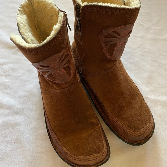 SOLD Alegria Women's Aspen Boots Brown Lined Side